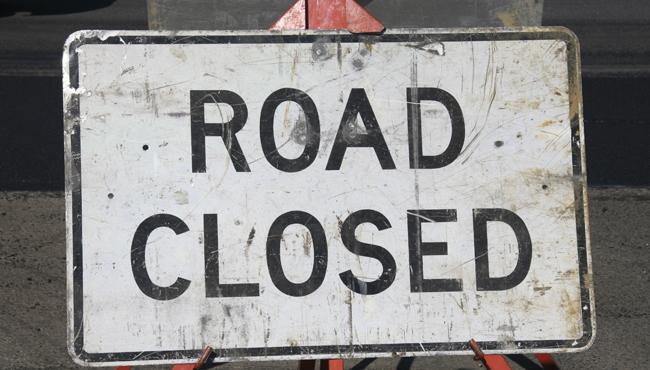 road closed sign_170938