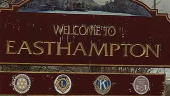 welcome to easthampton sign_214849