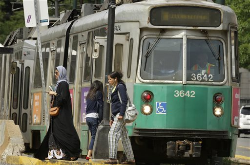 Infrastructure Growing Gridlock Aging Transit_224504