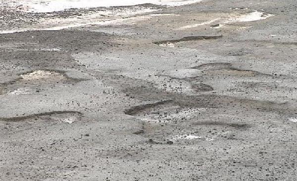 fewer potholes spring_370846