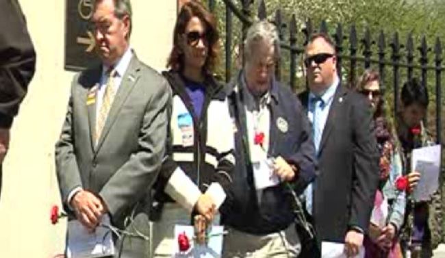 state house worker death honor_385149