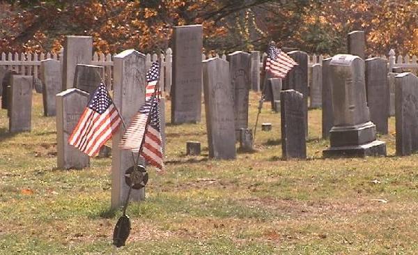 wilbraham-cemetary-veterans-day_497672