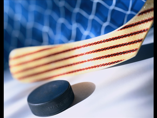 hockey-stick-and-puck_544371