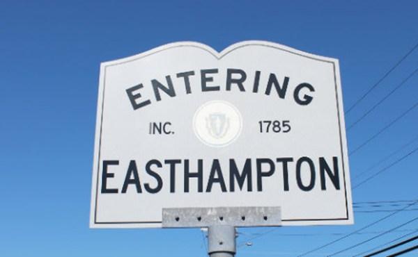 entering-easthampton-sign_512420