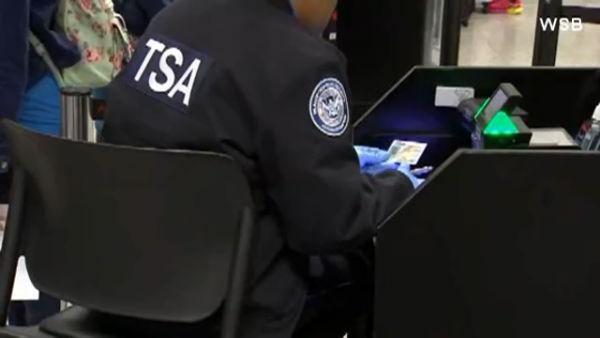 TSA screener_585039