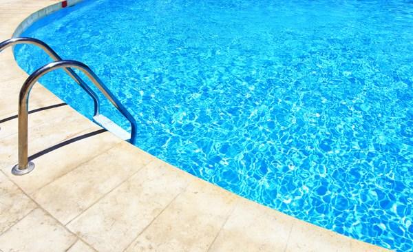 Swimming pool_450133