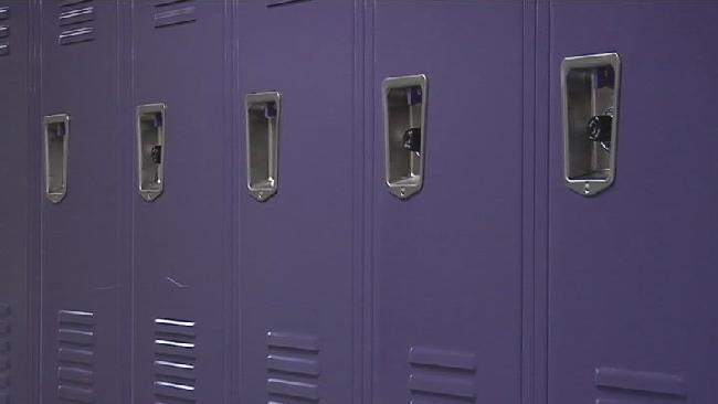 ma schools lockers_137800