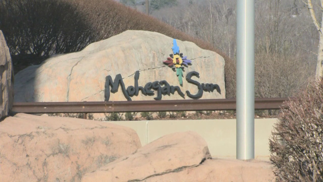 mohegan sun sign_697840