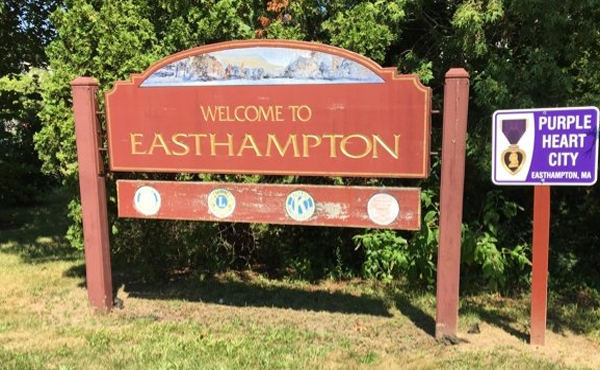 welcome to easthampton sign_674325
