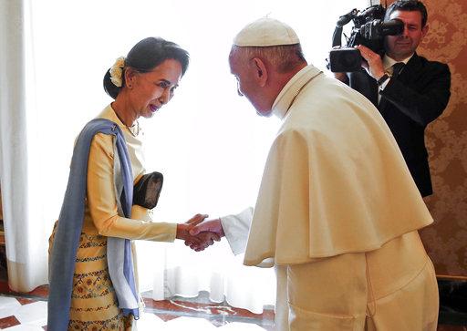 Aung San Suu Kyi, Pope Francis_748096