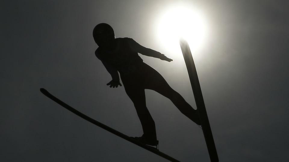 ap-ski-jumping-sun_795761