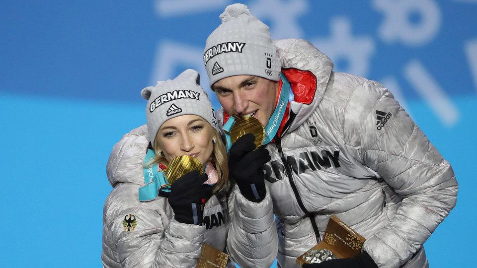 savchenko-massot-medals-usatsi_10616123-1024_801336