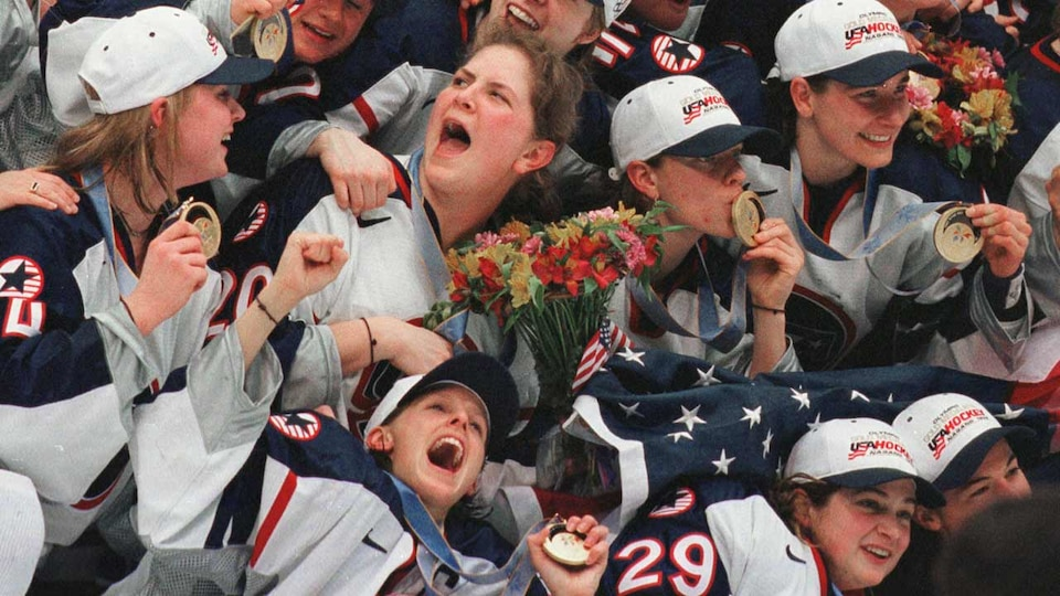 us-womens-celebration-98-gettyimages-452572176_795800