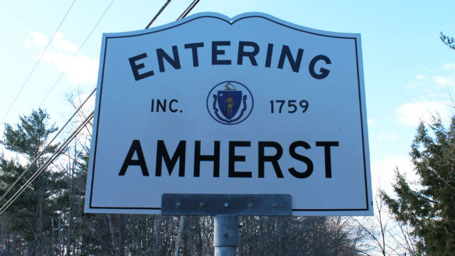 Town Signs Amherst