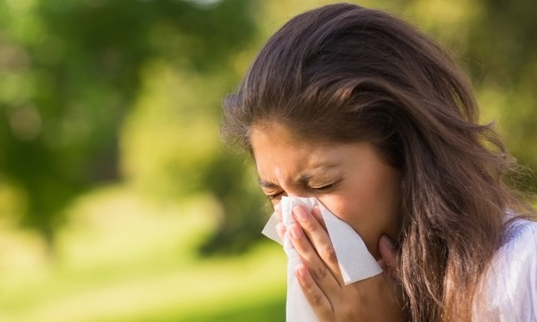 sneeze-sick-allergies_1522027491602.jpg