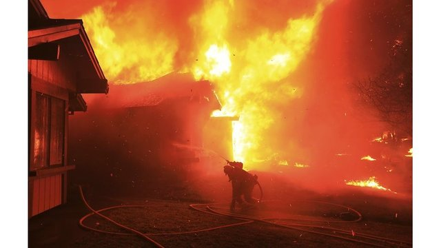 California wildfires_1535853327498.jpeg_53910776_ver1.0_640_360 (NEWS10)_1535880993137.jpg.jpg