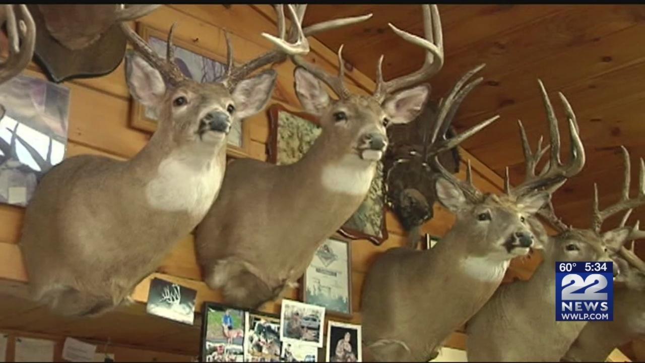 Archery_deer_hunting_season_began_Monday_0_20181015214041