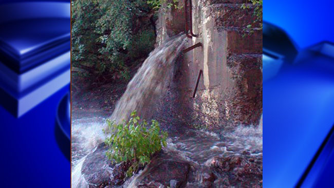Holyoke sewage leak_1541537619290.jpg.jpg