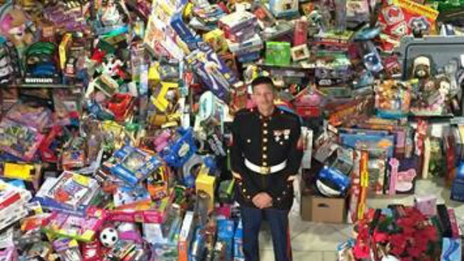 toys-for-tots_516445