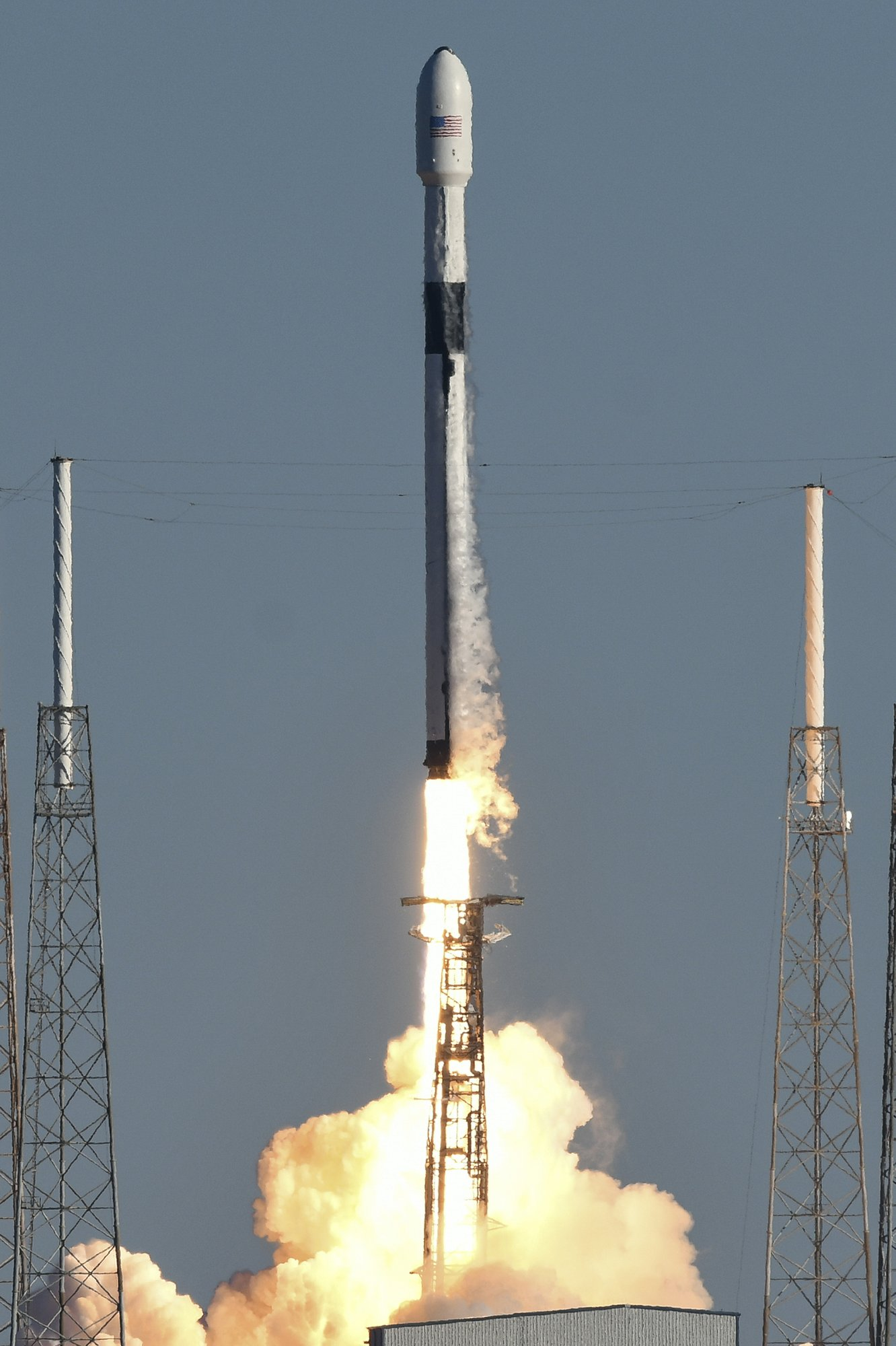 SpaceX Falcon 9 rocket 2.jpg