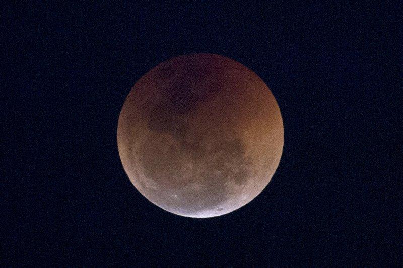 Curtain rising Sunday night on total lunar eclipse_1548002392932.jpeg.jpg