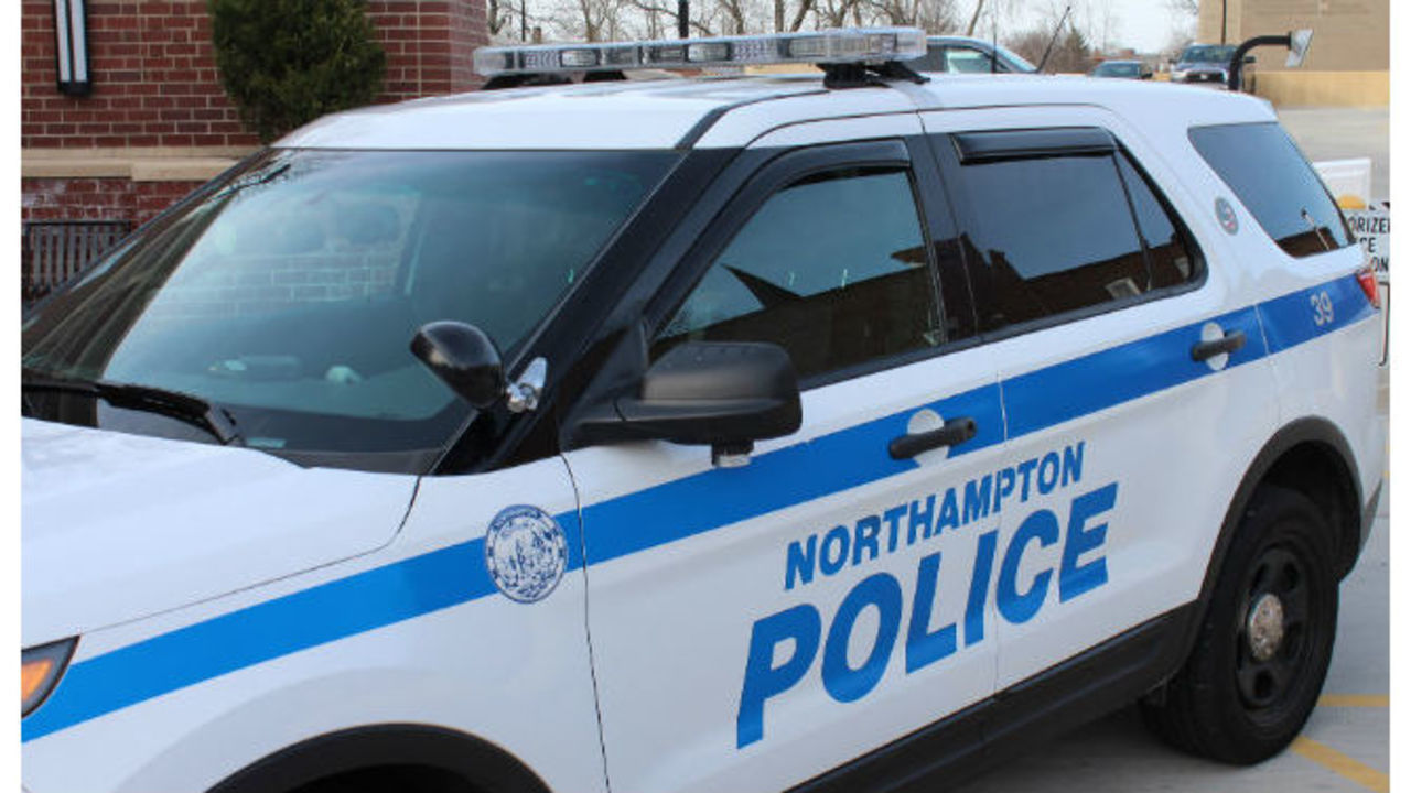 Northampton_police_investigating_pedestr_0_20190211041120