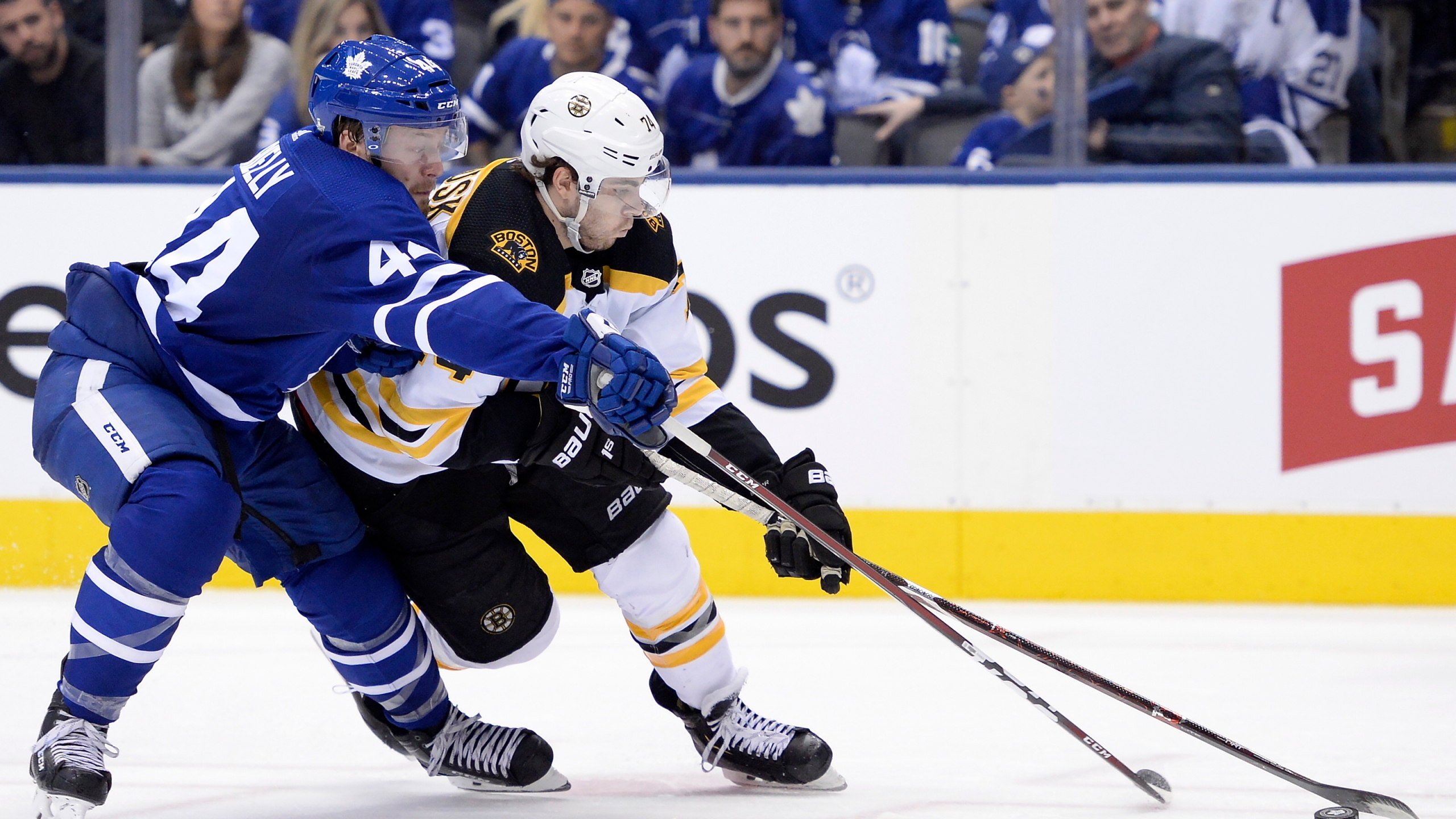 Bruins_Maple_Leafs_Hockey_80762-159532.jpg52433407