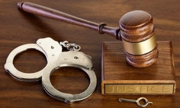 Court generic with handcuffs_1545854334675.jpg_65930548_ver1.0_640_360_1554479868388.jpg_80790088_ver1.0_640_360_1556354942153.jpg.jpg