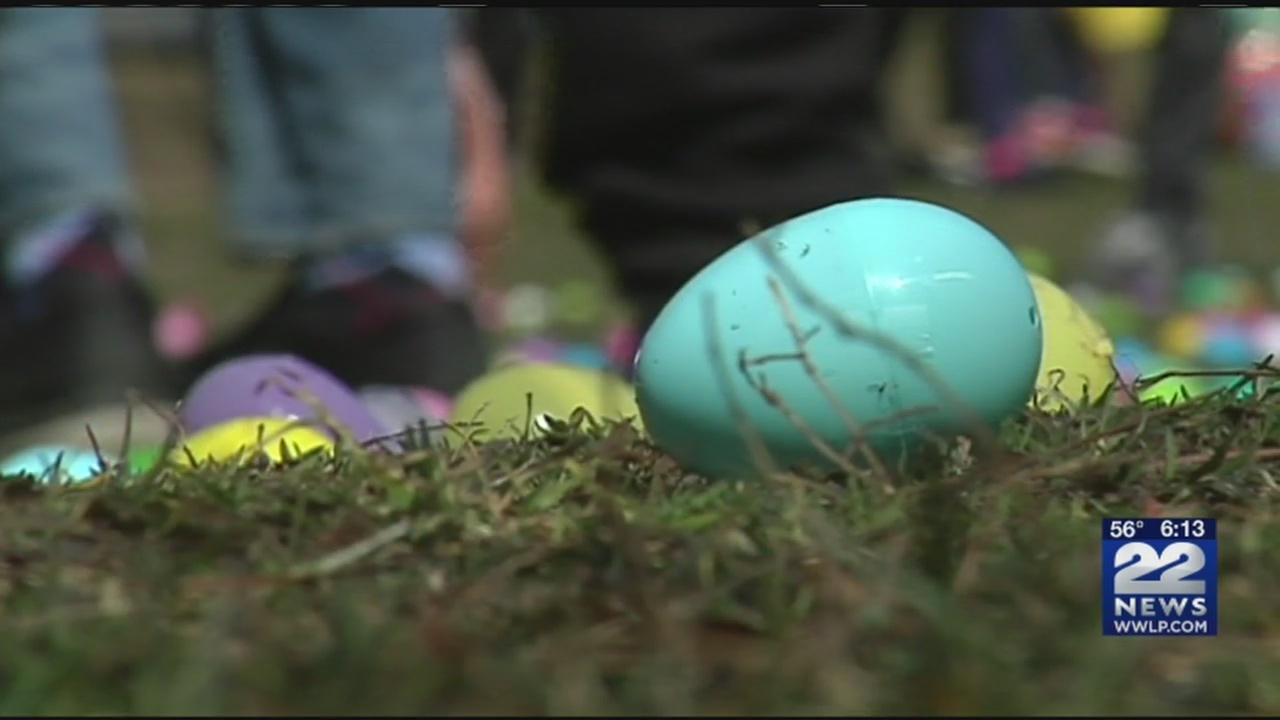Families_enjoy_Easter_egg_hunts_througho_0_20180331224432