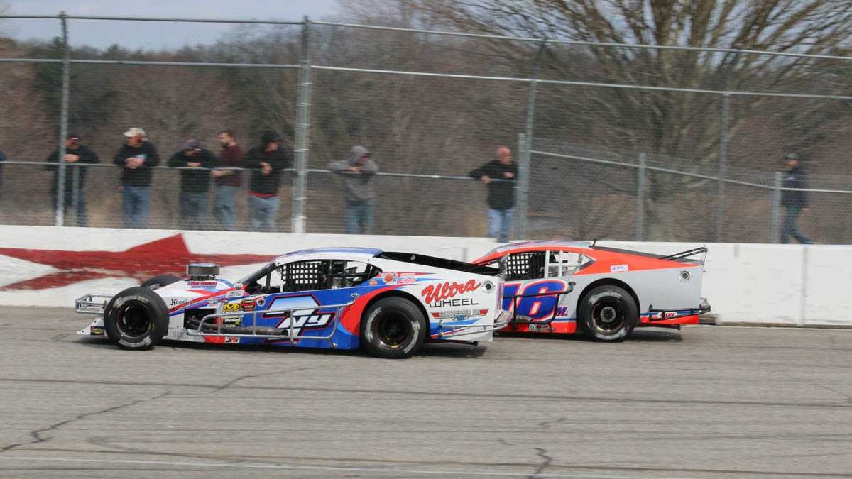 mckennedy NASCAR Whelen Modified Tour wiernasz