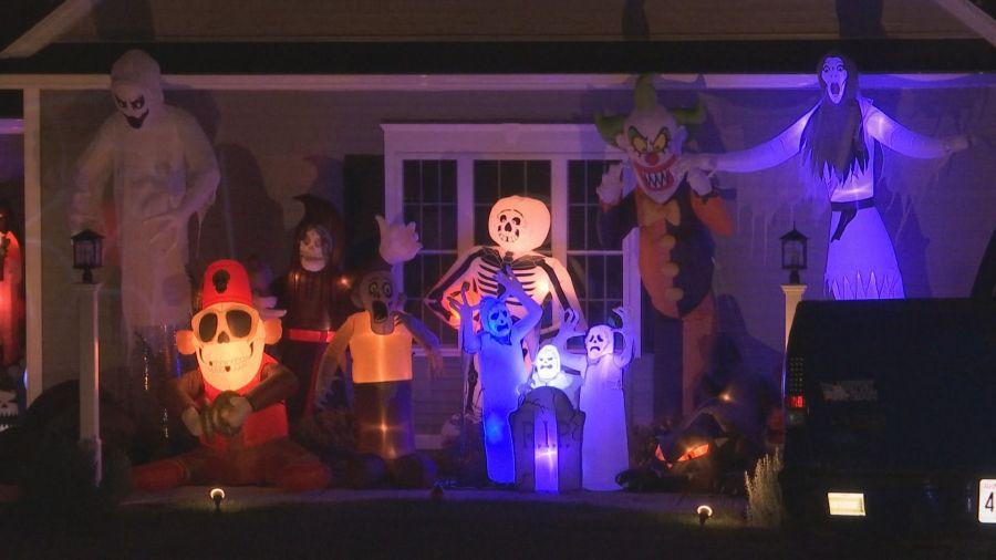Halloween 2020 Springfield Ma Spirit Halloween opens at the Holyoke Mall | WWLP
