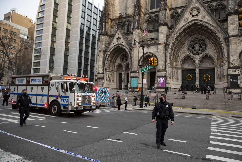 Gunman shot by police at NYC cathedral Christmas concert | WWLP