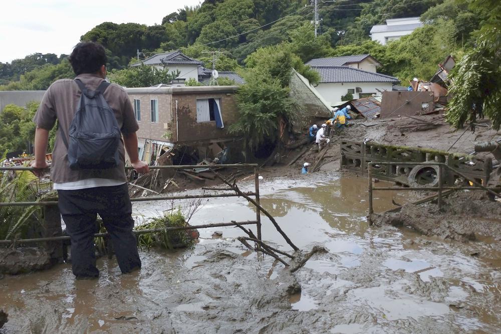 Japan mud slide AP photo